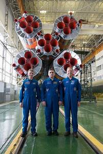 From left: ESA astronaut Tim Peake, commander-cosmonaut ...