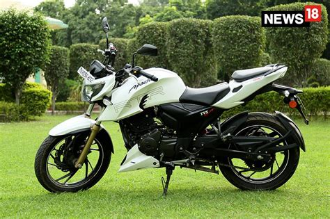 Review Tvs Apache Rtr 200 4v by Tvs Apache Rtr 200 4v Review A Racer At That S