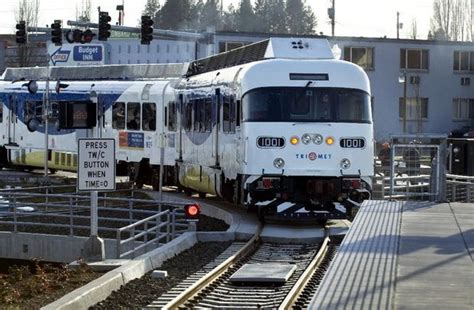 trimet execs received big pay increases   transit