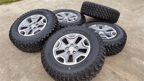 (5) 17& Jeep 2017 Wrangler Rubicon Sahara Oem Wheels Rims