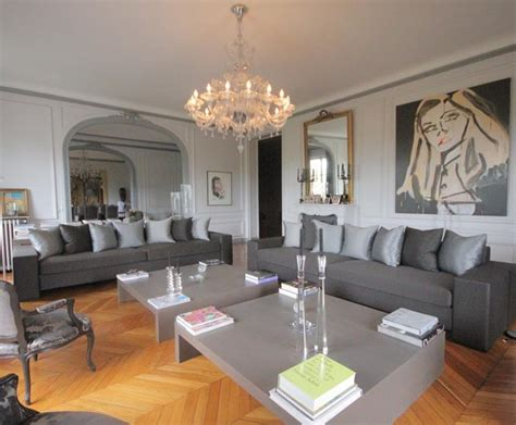 canapé turquoise ikea salon parquet marron foncé idées de décoration et de