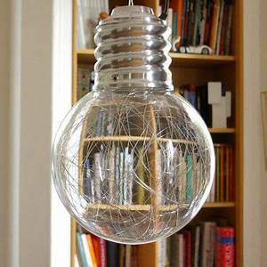 Lampe En Forme D Ampoule : la suspension neptune en forme d 39 ampoule g ante est une lampe d 39 ambiance magique le fil d ~ Teatrodelosmanantiales.com Idées de Décoration