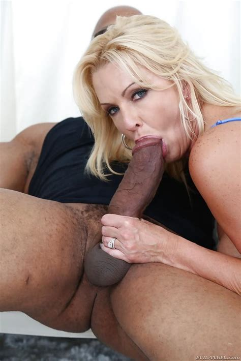 Horny Over 40 Milf Cute Alysha Giving A Huge Black Cock A