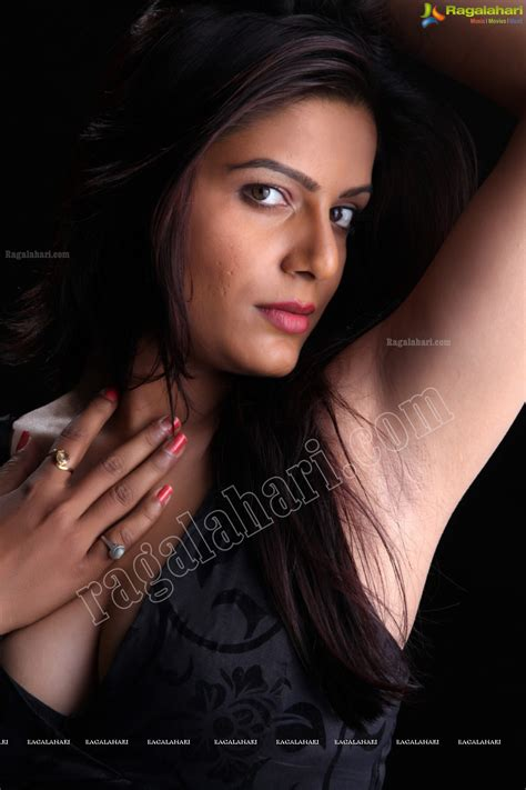 Desi Armpits Project  Anjali Dwivedi Armpits Posing In