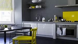 20 idees deco pour une cuisine grise deco coolcom for Idee deco cuisine avec cuisine blanc et gris anthracite