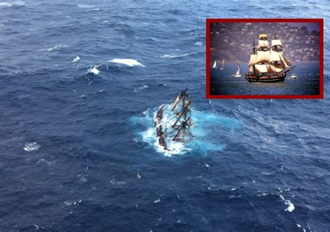 Hms Bounty Sinking by Hms Bounty Nellysford Rescued From Sinking Ship The