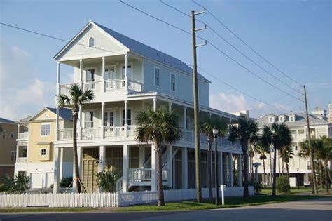 Deck Galveston Survivors by Town Galveston East End Style Exterior