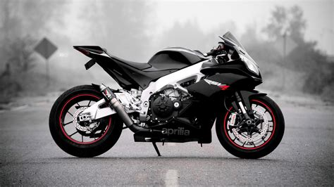 Download Aprilia Rsv4 Motorcycle Wallpaper For Desktop