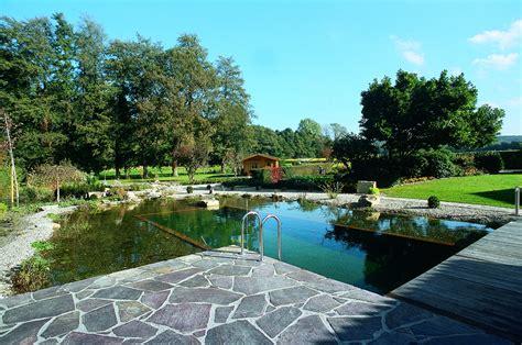 Der Schwimmteich Wohlfuehloase Im Garten by Schwimmteich Bauen Leicht Gemacht Oase Teichbau De