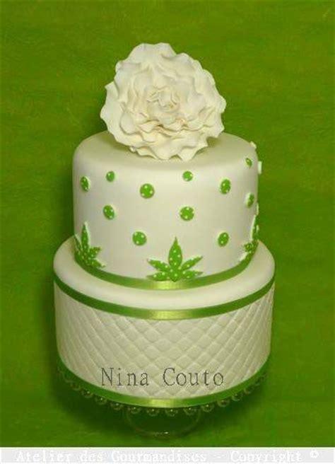gateau pate a sucre vert g 226 teau blanc et vert anis d 233 co en p 226 te 224 sucre atelier des gourmandises