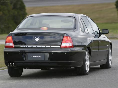 Holden WL Caprice (2004) - picture 8 of 12