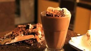 Best Chocolate Milkshake Recipe - Homemade Chocolate ...