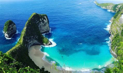 pesona keindahan kelingking beach   kamu kunjungi