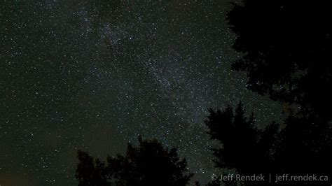 Astro Timelapse A Hint Of The Milky Way On A Moonless Night