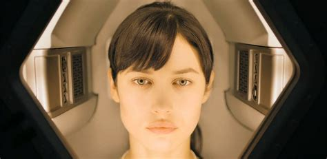 oblivion actress julia olga kurylenko as julia