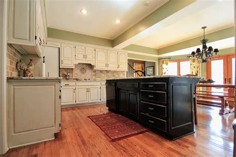 faux painted kitchen cabinets kansas city cabinet refinishing faux finishing faux wood 7182