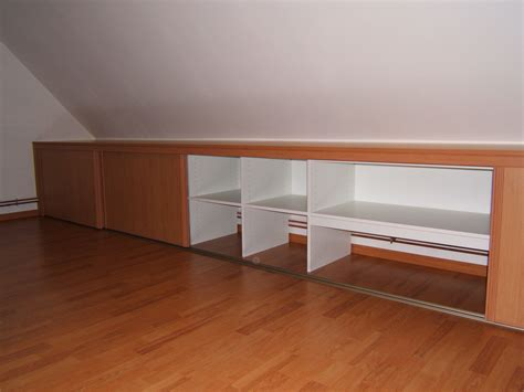armoire de chambre porte coulissante meubles sous combles mes combles