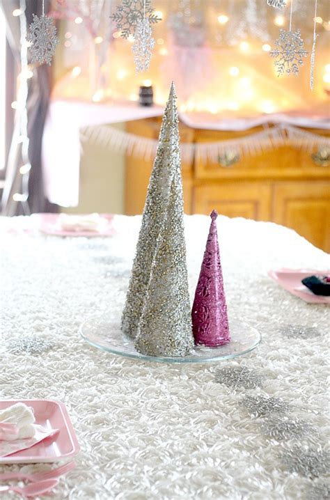 Kitchen Centerpiece Ideas - winter onederland snow princess birthday party