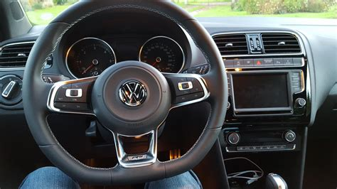 polo r line interieur sortie pack r line polo 2015 polo volkswagen forum marques