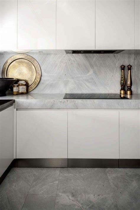 la cuisine dans le bain le carrelage en marbre en 42 photos