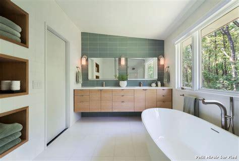 salle de bains retro petit miroir sur pied with r 233 tro salle de bain d 233 coration de la maison et des id 233 es de design