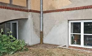 Großes Loch In Der Wand Reparieren : sockelputz reparieren fliese ausbessern kleines loch in der bodenfliese reparieren youtube ~ Frokenaadalensverden.com Haus und Dekorationen