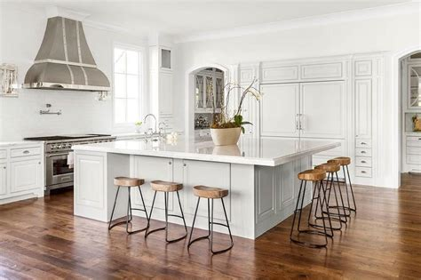Oversized Kitchen Island with Smart and Sleek Stools