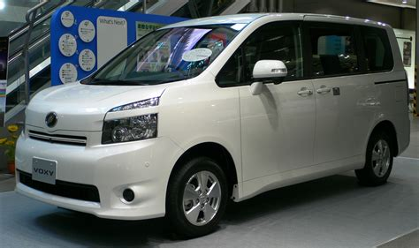 Toyota Voxy Photo by Toyota Voxy Photos Photogallery With 4 Pics Carsbase