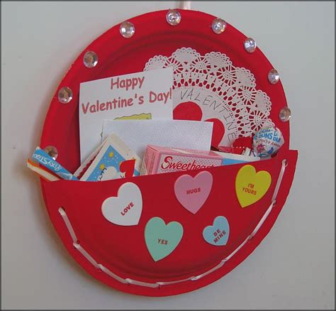 valentines day projects for preschoolers 465 | xvalentine card holder 2.jpg.pagespeed.ic.ncqoXLc7ZO