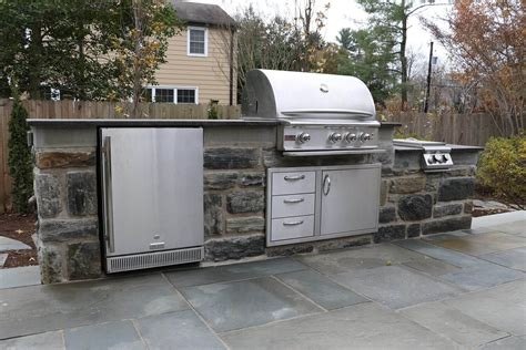 Custom Built Outdoor Kitchens & Grills-burkholder Landscape