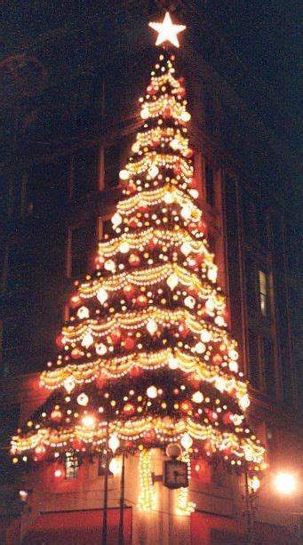 i remember the horne s tree and the christmas display