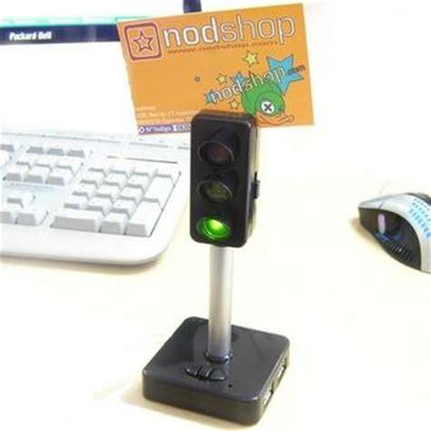 gadget pour bureau 10 gadgets usb pour survivre devant pc accessoires