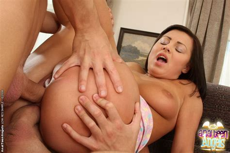 Petite Teen Brunette Luna In Hard Dp And A Facial Action