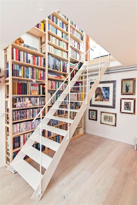 Beautiful Floating Staircase And Shelves   S H E L V E S
