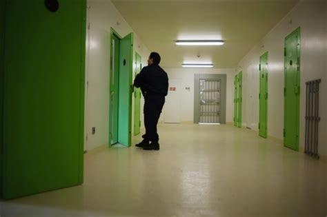 maison d arrt de lyon corbas une d 233 tenue retrouv 233 e morte dans sa cellule de la maison d arr 234 t de corbas