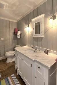 Fixer Upper Badezimmer : grey shiplap paint color sherwin williams sw 7057 silver strand downstairs bath easy fix ~ Orissabook.com Haus und Dekorationen