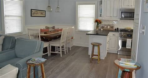 kitchen cabinet and wood floor color combinations 4 popular cabinet wood flooring combinations for your