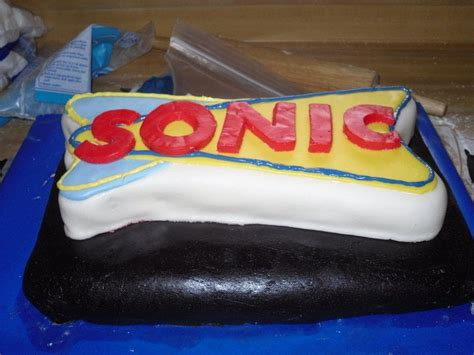 sonic cake  computer game cake food decoration  cut