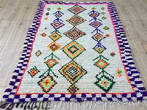 East Unique Vintage Moroccan RugTapis Berbere Ourika