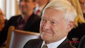 Goldener Drache Siegen : nobelpreistr ger prof dr joachim frank verewigt sich im goldenen buch der stadt siegen youtube ~ Orissabook.com Haus und Dekorationen