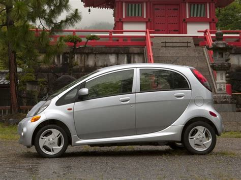 2014 Mitsubishi I Miev Msrp by 2017 Mitsubishi I Miev Specs Pictures Trims Colors