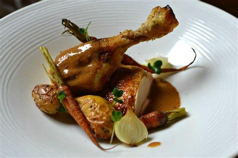cuisine chapon chapon rôti au foie gras sauce quot albufera quot la recette