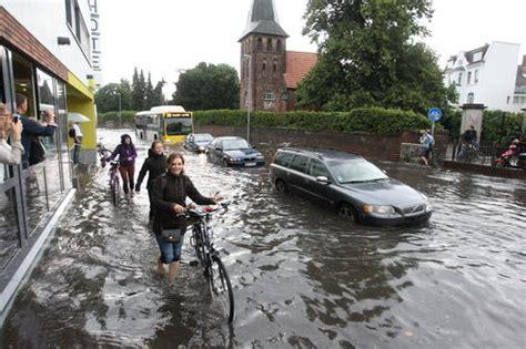 starkregen setzt oldenburg unter wasser