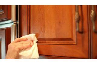 how to clean stained kitchen cabinets best 25 wood cabinets ideas on 8582