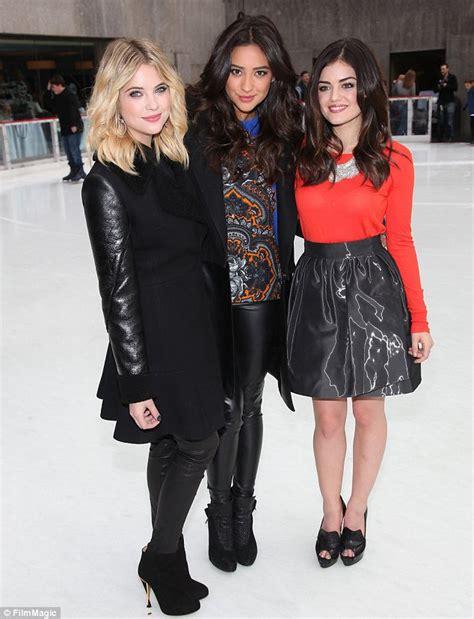 Pretty Little Liars stars Ashley Benson, Shay Mitchell and ...