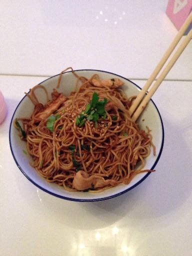 recette pate a nouille nouilles chinoises soja et poulet au wok facile recette de nouilles chinoises soja et poulet