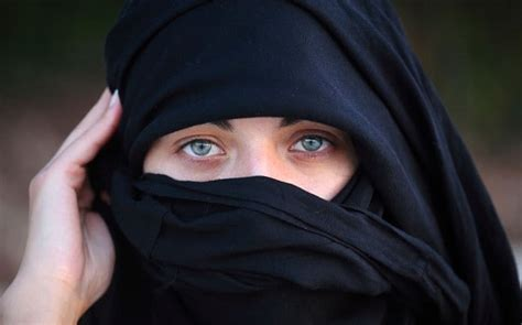 spain overturns islamic face veil ban telegraph