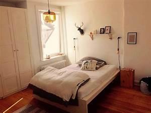 Lampen Fürs Schlafzimmer : gem tlicher schlafbereich mit schlichten lampen wg schlafzimmer einrichtung ideen f rs wg ~ Orissabook.com Haus und Dekorationen