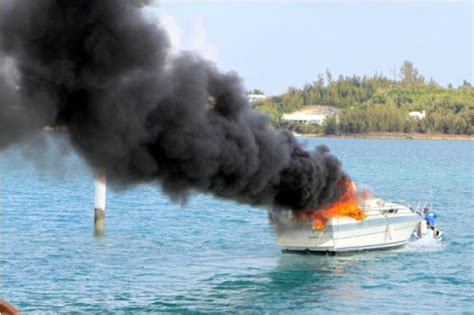 Fire Boat Pics by Bermuda Boat On Fire In St George S Harbour Boat Fire