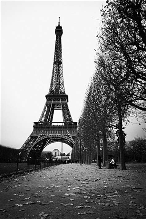 paris eiffel tower black  white   wallpaper